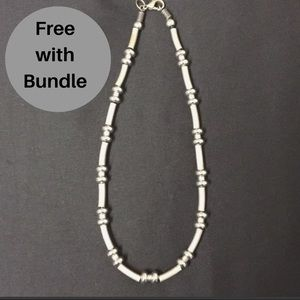 Jewelry - Chunky silver toned statement necklace vintage